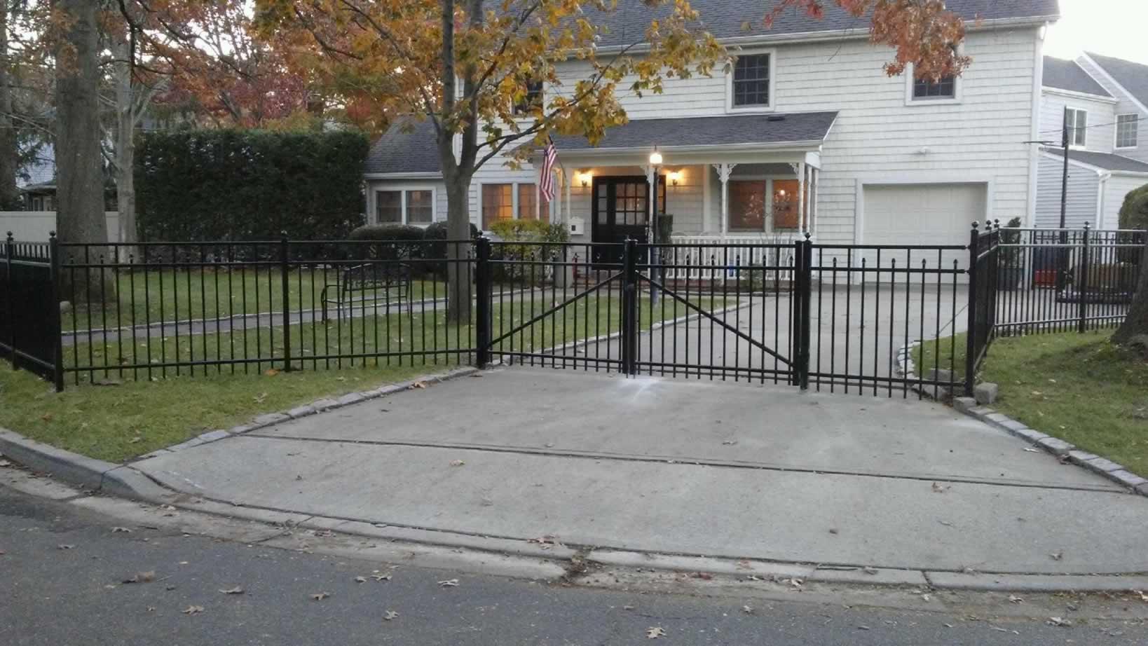 Aluminum Fences Amp Gates Liberty Fence Amp Railing