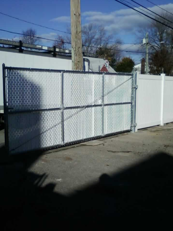 Chain Link Fences Amp Gates Liberty Fence Amp Railing