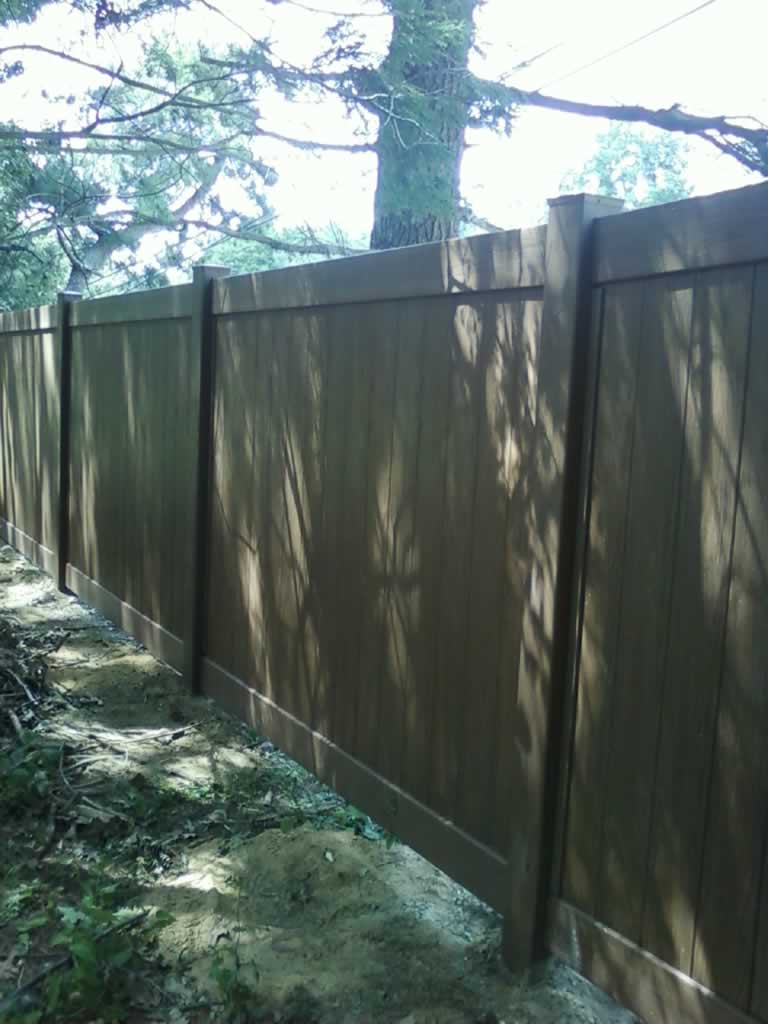 Embossed Woodgrain Vinyl Fences Amp Gates Liberty Fence