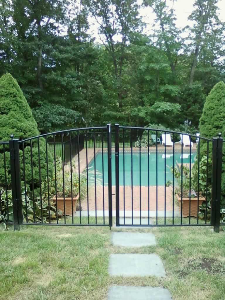 Pool Fences, Self-Closing Gates, & Enclosures